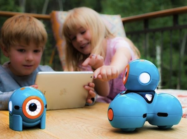 9 Christmas Gift Ideas That Tech-savvy Kids Will Go Crazy For ➤ Discover the season's newest designs and inspirations for your kids. Visit us at kidsbedroomideas.eu #KidsBedroomIdeas #KidsBedrooms #KidsBedroomDesigns @KidsBedroomBlog christmas gift ideas 9 Christmas Gift Ideas That Tech-savvy Kids Will Go Crazy For 9 Christmas Gift Ideas That Tech savvy Kids Will Go Crazy For 600x447