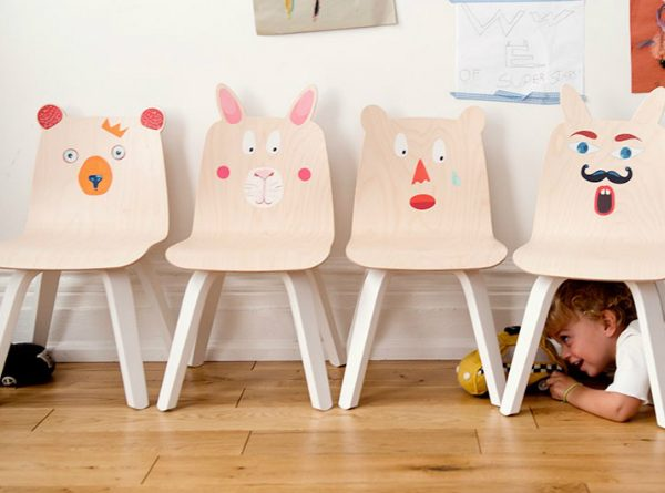 The Most Adorable Play Table and Chairs Set For Kids You'll Ever See ➤ Discover the season's newest designs and inspirations for your kids. Visit us at kidsbedroomideas.eu #KidsBedroomIdeas #KidsBedrooms #KidsBedroomDesigns @KidsBedroomBlog