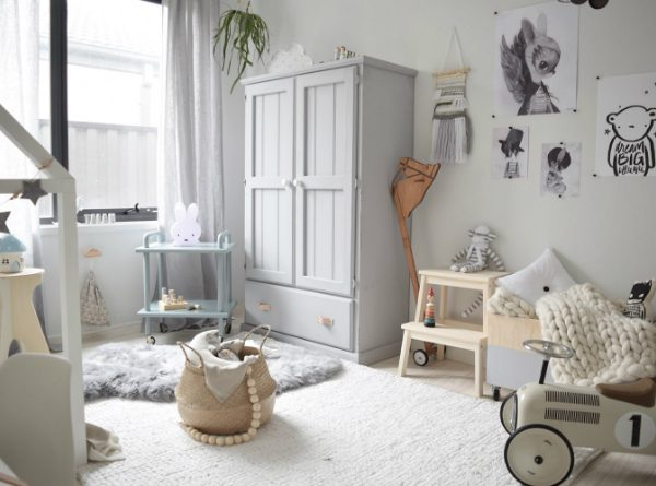 Vintage Wardrobes for Kids You Will Fall In Love With ➤ Discover the season's newest designs and inspirations for your kids. Visit us at kidsbedroomideas.eu #KidsBedroomIdeas #KidsBedrooms #KidsBedroomDesigns @KidsBedroomBlog