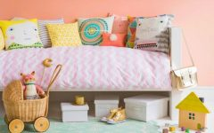 How To Décor Kids Rooms With Fluffy Pillows ➤ Discover the season's newest designs and inspirations for your kids. Visit us at kidsbedroomideas.eu #KidsBedroomIdeas #KidsBedrooms #KidsBedroomDesigns @KidsBedroomBlog