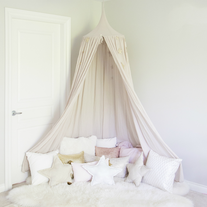 Bedroom Ideas Minimalist Bedroom Hanging Cabinet Design Gaming Bedroom Design Ideas Cute Black And White Bedroom Ideas: How To Décor Kids Rooms With Fluffy Pillows