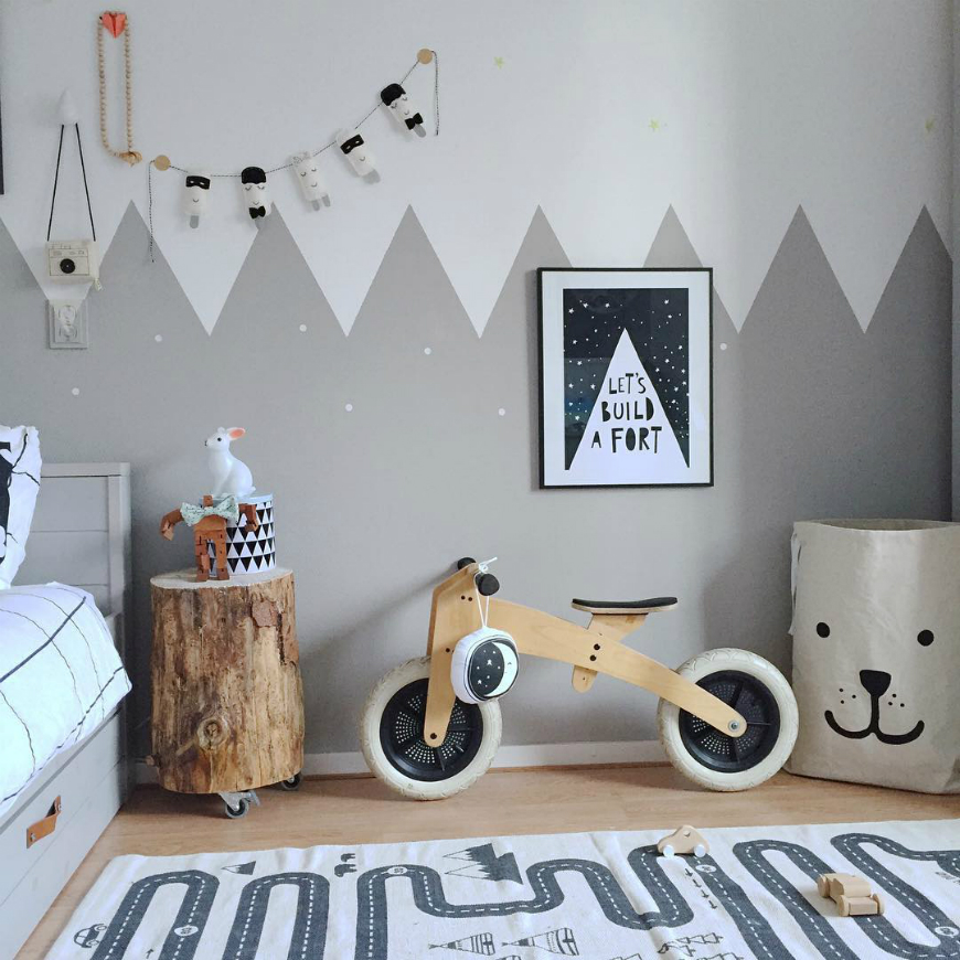 Scandinavian Nightstands For Kids Bedroom You'll Love ➤ Discover the season's newest designs and inspirations for your kids. Visit us at kidsbedroomideas.eu #KidsBedroomIdeas #KidsBedrooms #KidsBedroomDesigns @KidsBedroomBlog