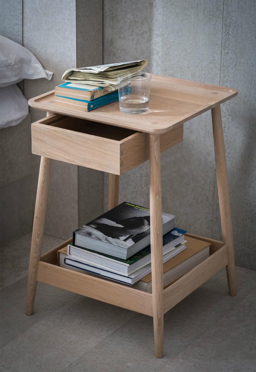 Bedroom Bedside Table: Best Bedside Table Designs For Kids' Room