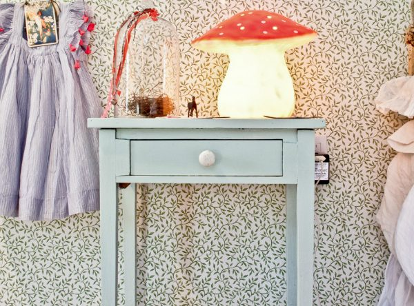 Kids Bedroom Furniture: Stylish Vintage Nightstands for Kids Room ➤ Discover the season's newest designs and inspirations for your kids. Visit us at kidsbedroomideas.eu #KidsBedroomIdeas #KidsBedrooms #KidsBedroomDesigns @KidsBedroomBlog