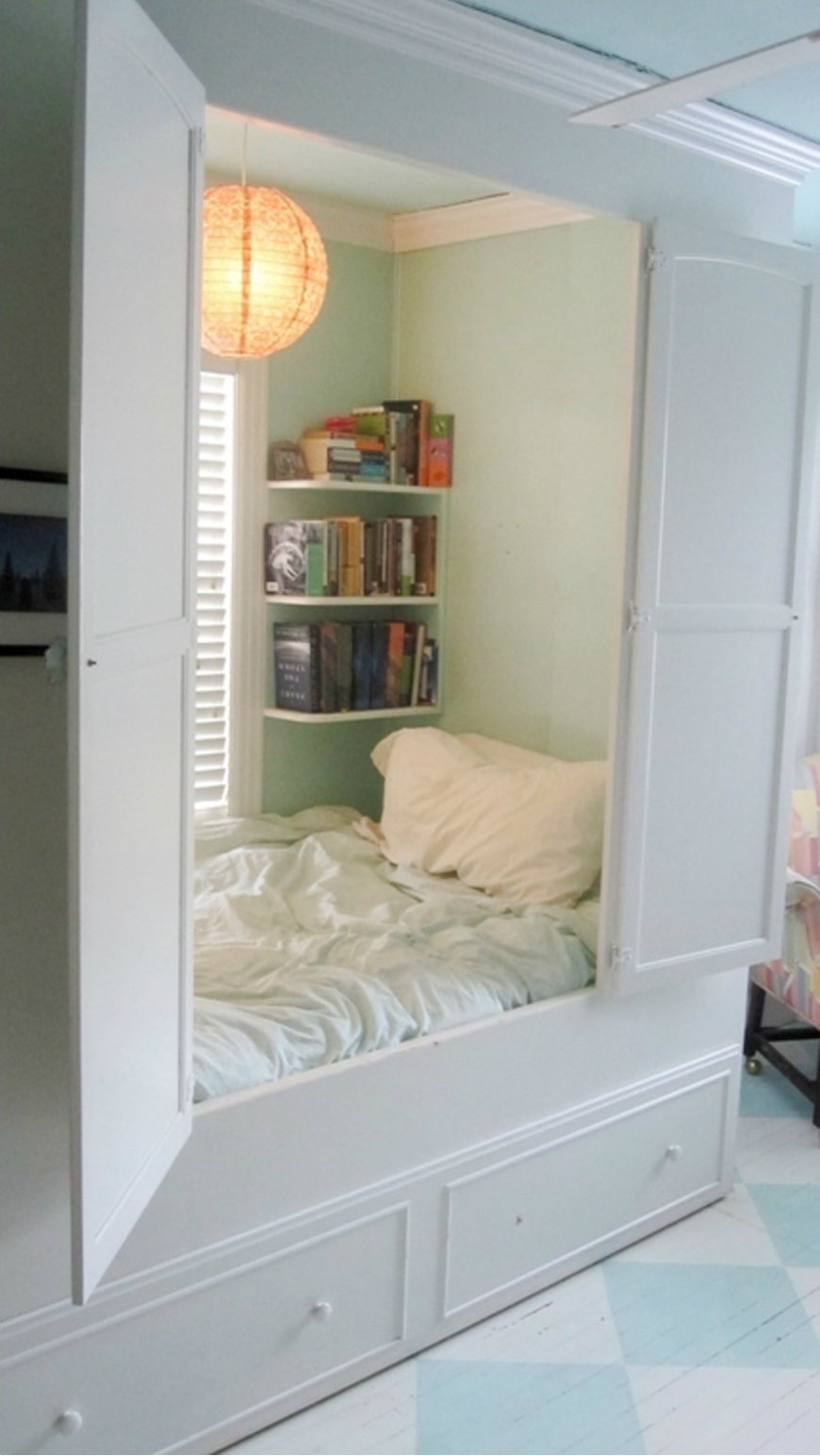 Incredible Reading Nooks For Kids That All Family Will Love ➤ Discover the season's newest designs and inspirations for your kids. Visit us at www.kidsbedroomideas.eu #KidsBedroomIdeas #KidsBedrooms #KidsBedroomDesigns @KidsBedroomBlog reading nooks for kids Incredible Reading Nooks For Kids That All Family Will Love Incredible Reading Nooks For Kids That All Family Will Love 1