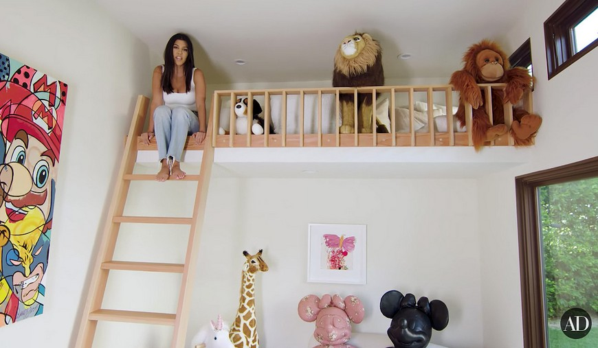 kourtney kardashian Kourtney Kardashian Show's Off Her Kids' Playhouse Kourtney Kardashian Shows Off Her Kids Playhouse 3